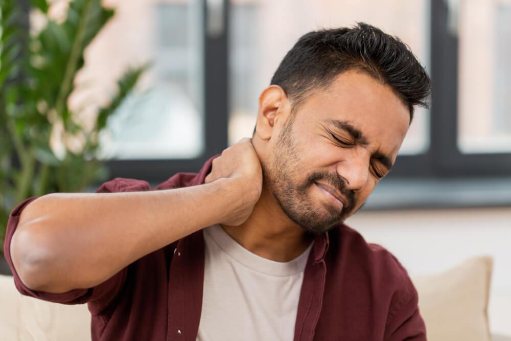 neck pain symptoms